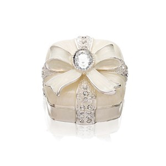 Sophia Flowers And Crystals Heart Trinket Box - P6043