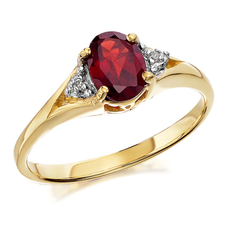 9ct Gold Garnet And Diamond Ring - D8411