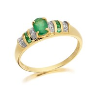 9ct Gold Diamond And Emerald Ring - D7507-K