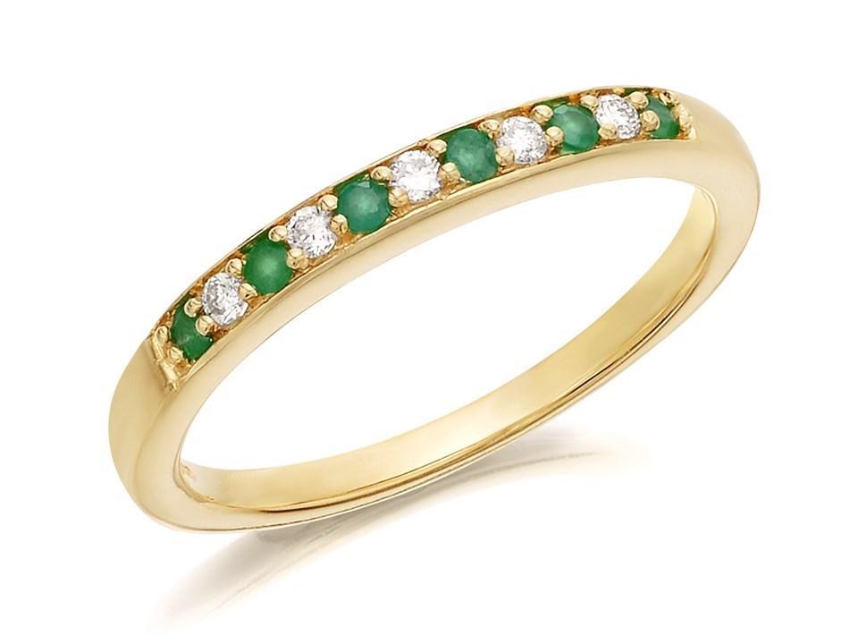 9ct gold emerald and half eternity ring 7pts