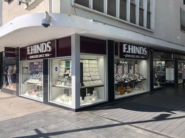 6df10f92b3 F.Hinds the Jewellers Southampton (Marlands) Jewellery and Watch shop